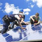 Sauberen Strom von Nachbars Dach beziehen