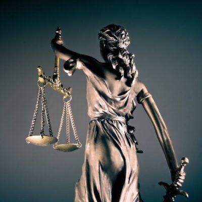 Gesetz &Recht