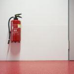 Feuerlöscher vs. Brandschutzdecke